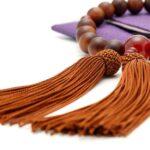葬式に数珠を持参するときの数珠の選び方・持ち方などを解説