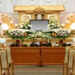 葬儀の「供花」について、知っておきたい基本情報をご紹介